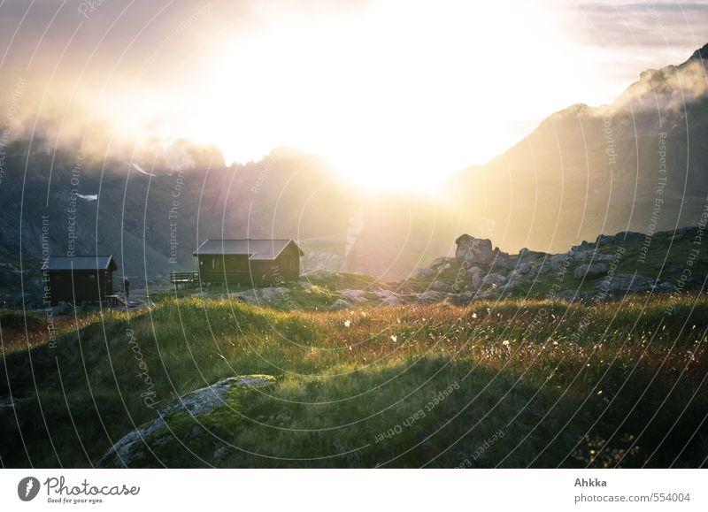 - - ' Abenteuer Ferne Freiheit Sonnenbad Natur Landschaft Wolken Klima Wetter Pflanze Gras Moos Haus Hütte atmen entdecken genießen frei glänzend Unendlichkeit