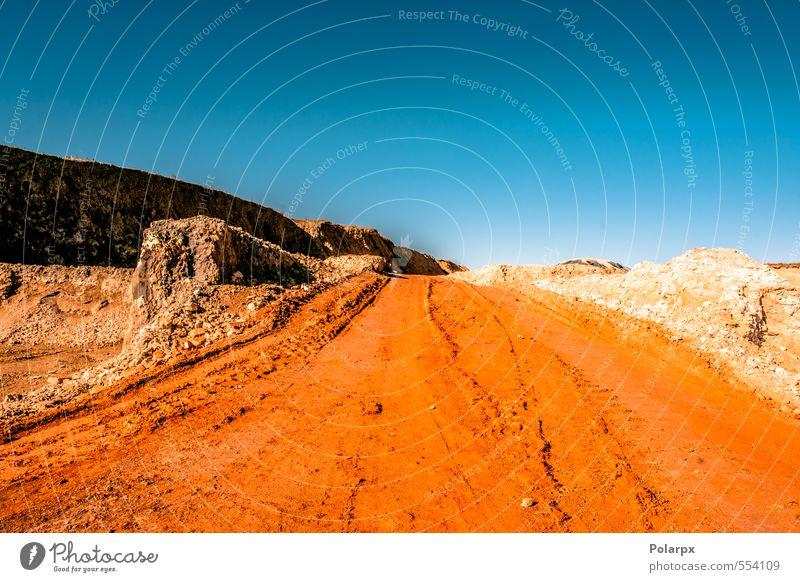 Himmel Natur Ferien & Urlaub & Reisen blau schön Farbe Sommer rot Landschaft gelb Berge u. Gebirge Straße Wege & Pfade Stein Sand natürlich