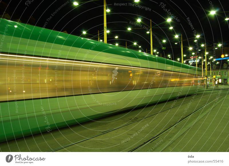 movement #2 Lampe Bewegung Beleuchtung fahren Gleise Straßenbahn Graz Jakominiplatz