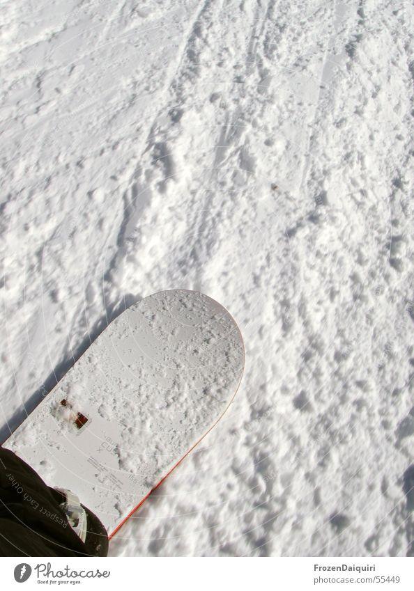 Riding No. 2 weiß Schnee hell fahren Snowboard Skipiste Schneedecke rutschen Snowboarding Wintersport