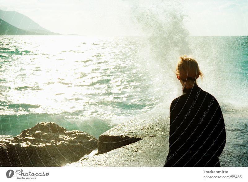 la mer Wellen Strand Meer Gischt Griechenland Buhne Gegenlicht Wasserspritzer frisch aufsteigen Brandung salzig Ferien & Urlaub & Reisen Steigung Naturgewalt