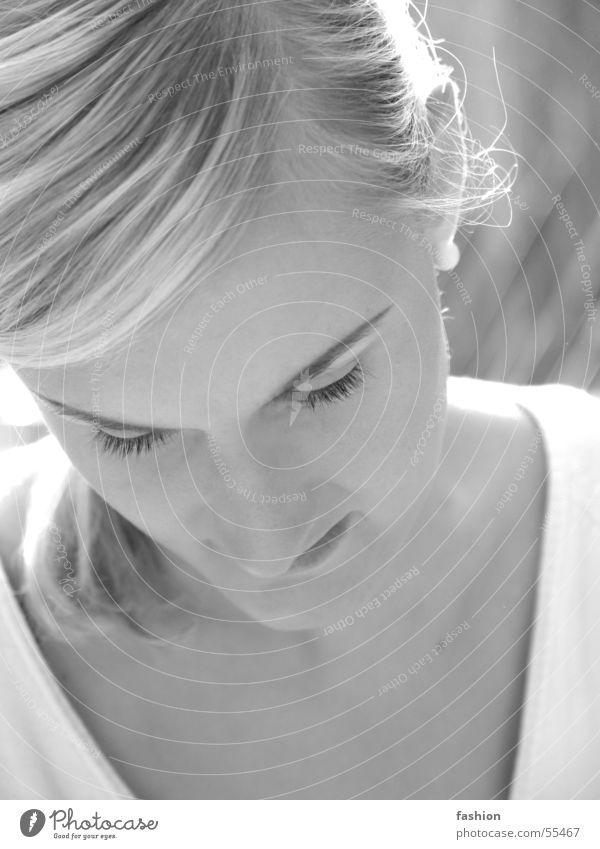 Bella 2 Frau weiß Sonne Sommer schwarz blond Deutschland