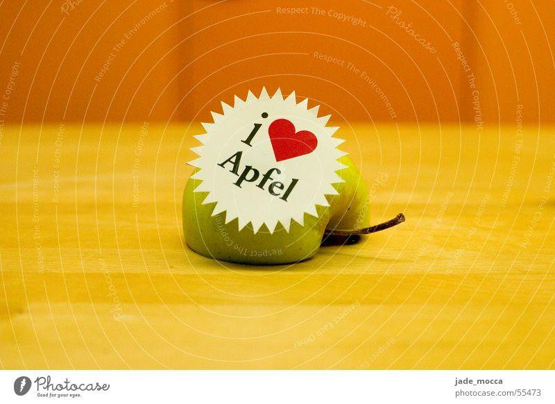 Der Apfel grün Herz rot gelb Liebe frisch Laune Fröhlichkeit weiß öpfel orange stemp Stengel einzweitel Zacken fresh heat pomme Information sloagen