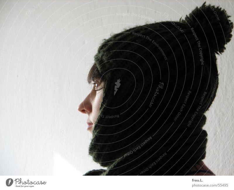 Lana mit Mütze Frau Mensch Winter Gesicht kalt feminin Wärme Bekleidung Physik niedlich schick Wollmütze