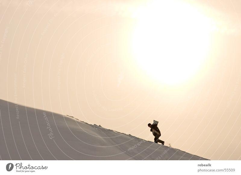 stairway to heaven Mensch Himmel Ferien & Urlaub & Reisen Sonne Winter Berge u. Gebirge gelb Schnee Freiheit Tourismus Kraft Schönes Wetter Abenteuer Mut