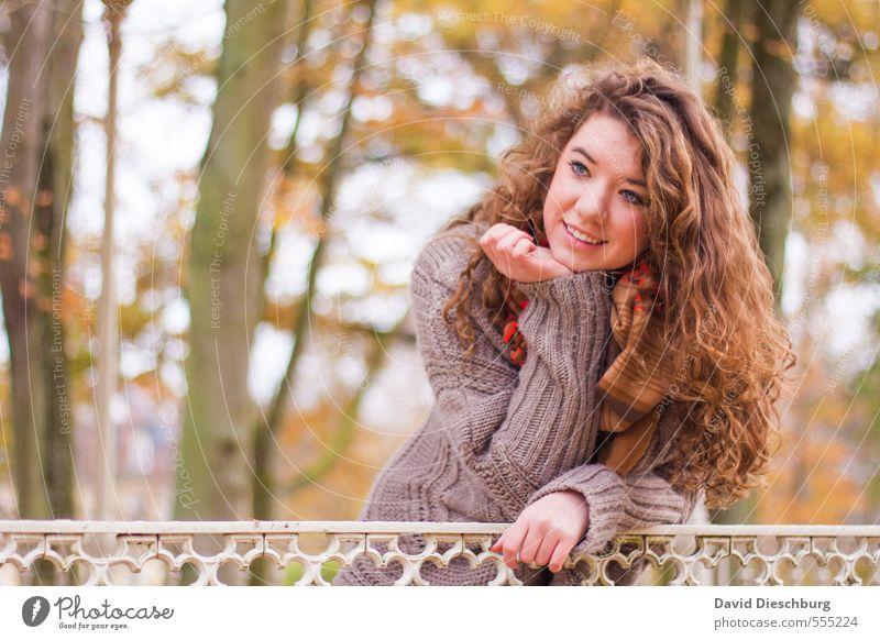 Lena Mensch feminin Junge Frau Jugendliche Schwester Leben Kopf Gesicht 1 13-18 Jahre Kind Frühling Herbst Schönes Wetter Baum Park brünett langhaarig Locken
