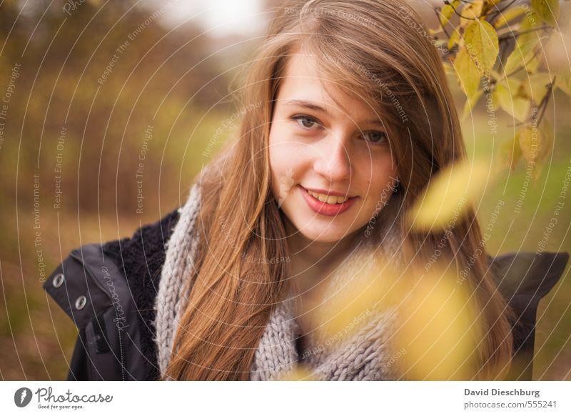 Kathi Mensch Kind Jugendliche Pflanze grün Junge Frau Blatt Freude Mädchen Wald schwarz Gesicht gelb Herbst Frühling feminin