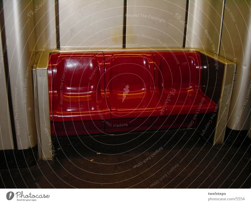 U-Bahn Plastikbank Architektur Bank