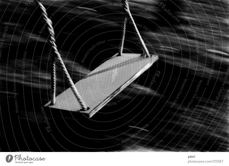 schaukel Einsamkeit Spielen Bewegung grau Seil Geschwindigkeit Schaukel Spielplatz