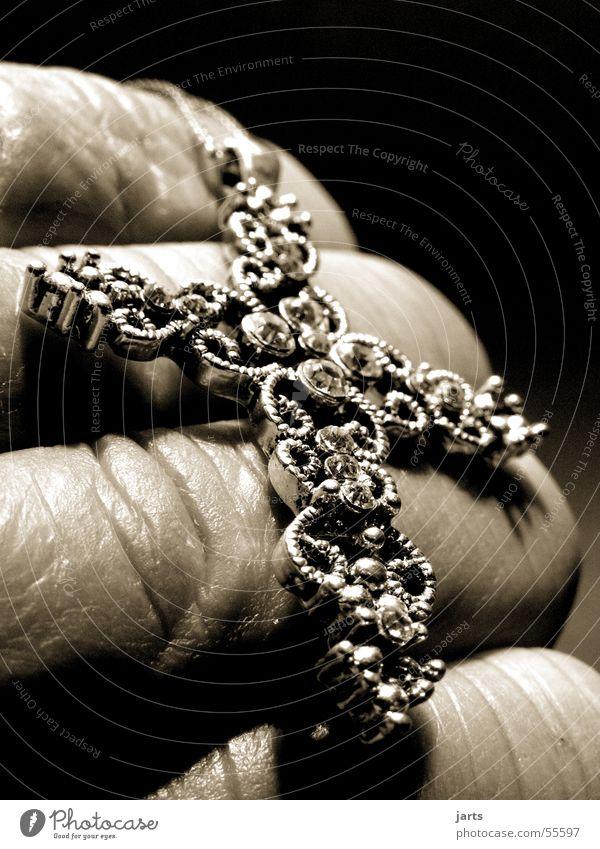 Glauben Hand Tod Zufriedenheit Religion & Glaube Rücken Finger Vertrauen Gebet Kette Christentum Sozialer Dienst