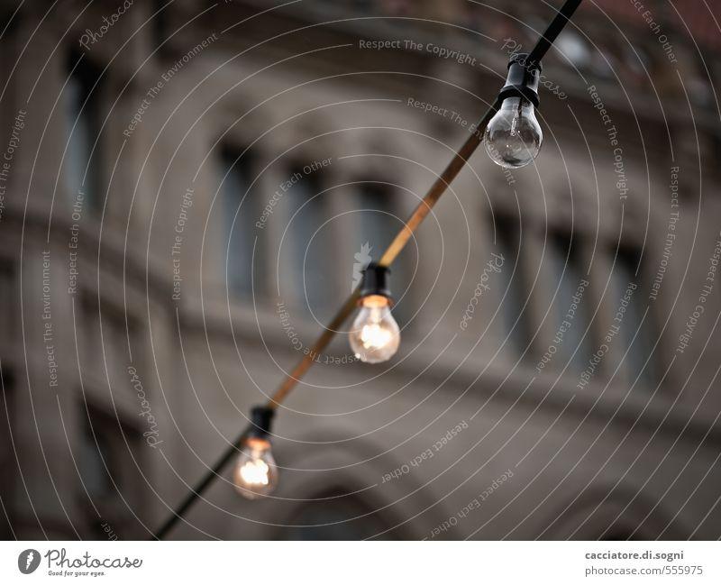 Weihnachtsstimmung in Arbeit Weihnachten & Advent Einsamkeit dunkel schwarz Traurigkeit Beleuchtung braun Stimmung Dekoration & Verzierung Beginn Elektrizität