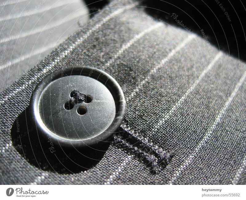 Knopf Knöpfe Nadelstreifen Bekleidung fein seriös Nähen schwarz gestreift fleißig reich vorbildlich rund Arbeit & Erwerbstätigkeit Anzug Top Fetzen Gala Tracht