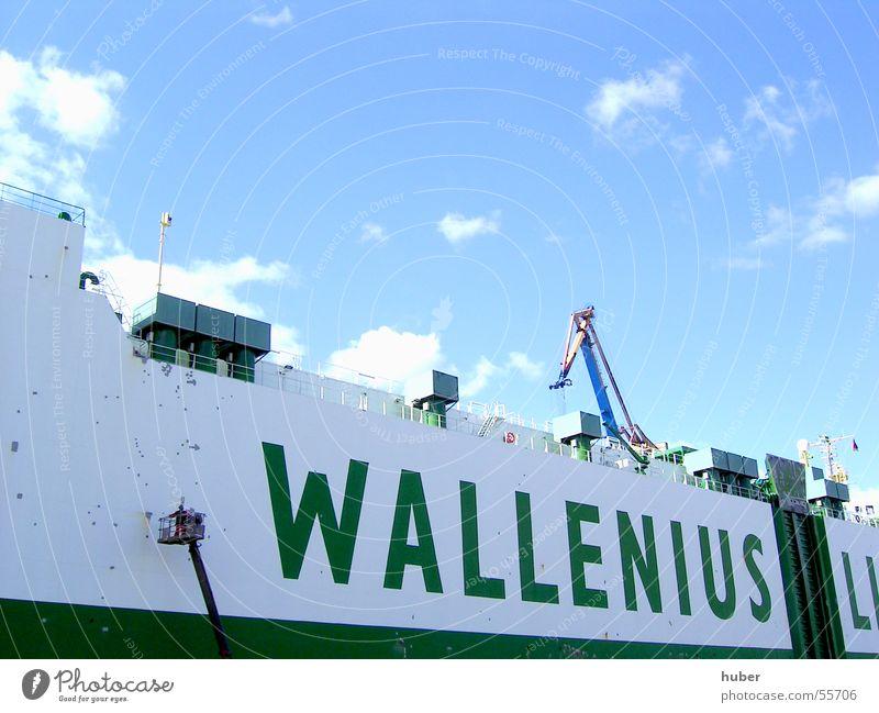 Schiffswand weiß grün Farbe Wasserfahrzeug Anstreicher Hamburger Hafen Bordwand Werft Blohm + Voss Schiffslakierer
