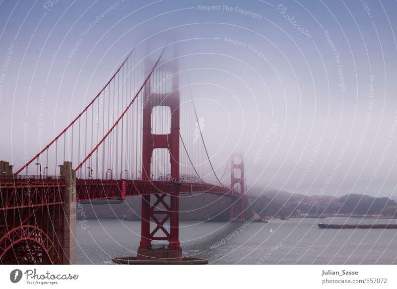 If you're going to San Francisco... Stadt Sommer rot Wolken Berge u. Gebirge Straße Architektur Wasserfahrzeug Nebel Lifestyle Verkehr hoch Brücke Fluss Hügel USA
