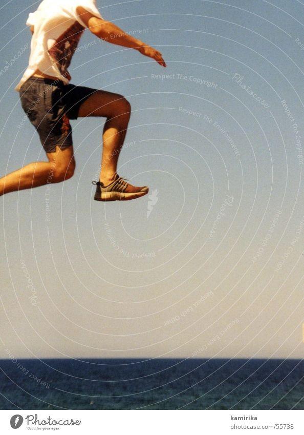 er lief uebers wasser springen Horizont Ferien & Urlaub & Reisen Schwerkraft Schweben Wasser laufen