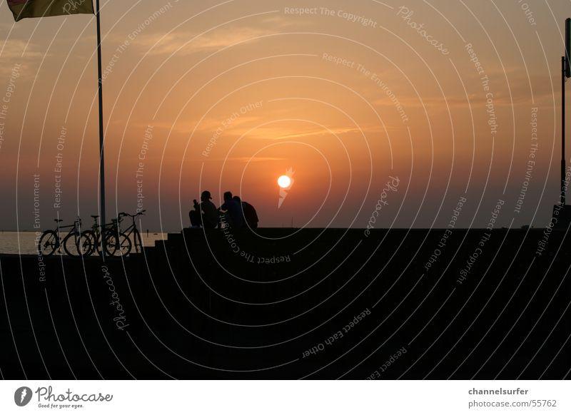 Chillout @ Lake Sonnenuntergang Freundschaft Fahrrad Erholung Wolken Himmel