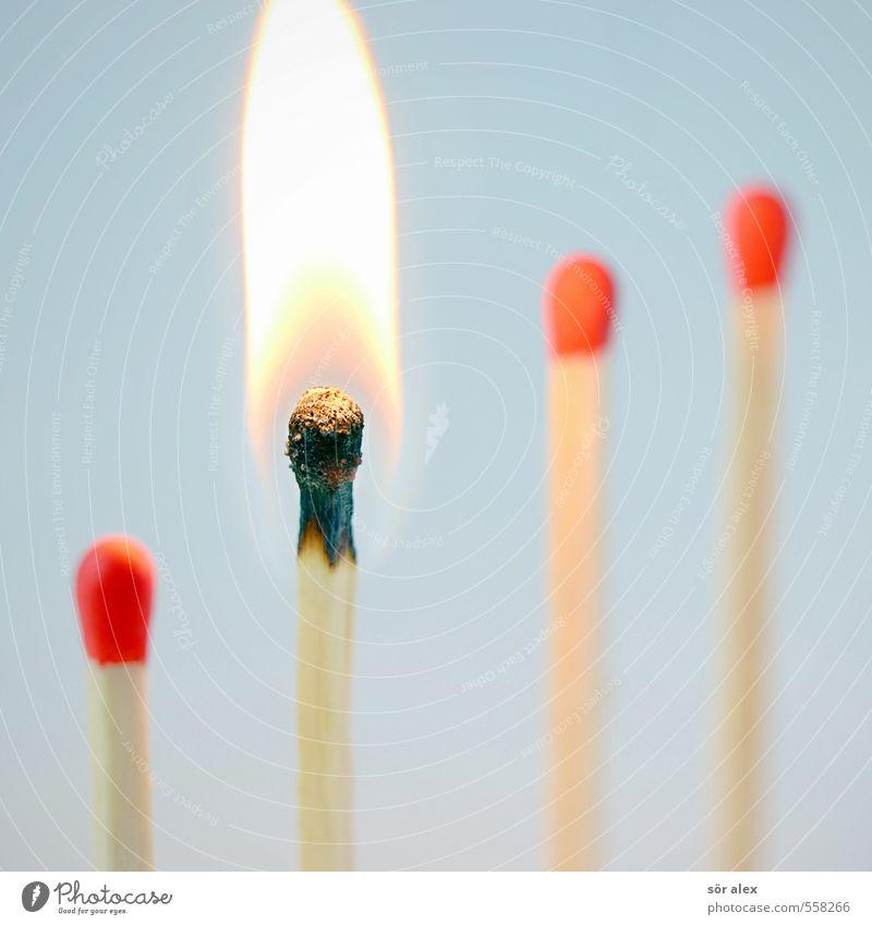 Hitzkopf Karriere Erfolg Sitzung sprechen Streichholz heiß rot selbstbewußt Kraft Willensstärke Mut Tatkraft Wut gereizt Aggression Energie Entschlossenheit