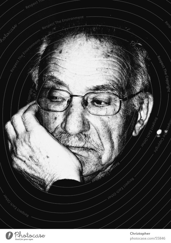 Mein Opa Großvater Senior Porträt Gedanke Denken Schwarzweißfoto Mensch Charakter nachdenken