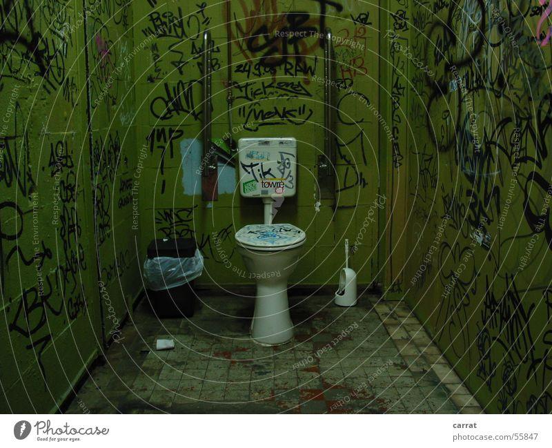 Der Thron grün Graffiti Stil Kunst streichen Müll Toilette Fliesen u. Kacheln Behinderte Müllbehälter Straßenkunst