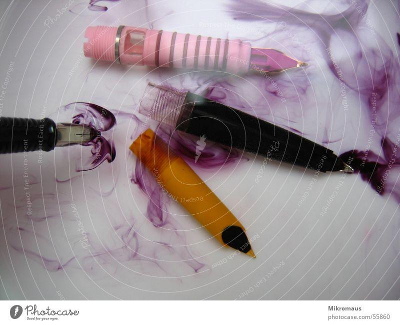 Schreib mal wieder ;-) Tinte Wasser Füllfederhalter schreiben Schriftzeichen Farbe Farbstoff mehrfarbig Reinigen Schreibgerät obskur Schmiererei