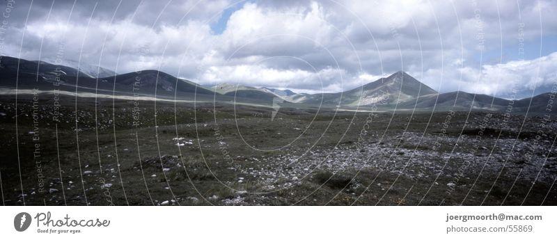 Weitblick Himmel Wolken Ferne Wiese Freiheit Landschaft groß Italien Panorama (Bildformat) Abruzzen