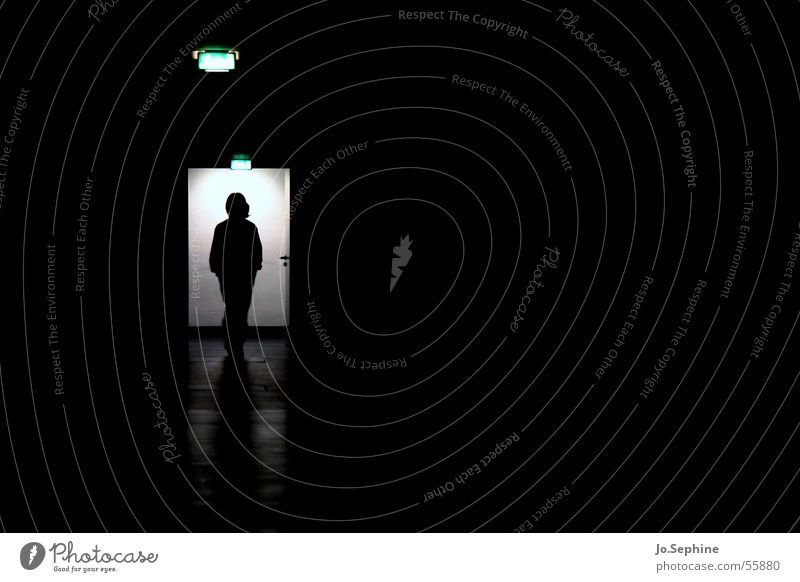 Abseits des Lichts... - Impression Pflegeheim II 1 Mensch dunkel trist Gang unheimlich Gangbeleuchtung Innenaufnahme Psychiatrie Patient Schwarzweißfoto Low Key