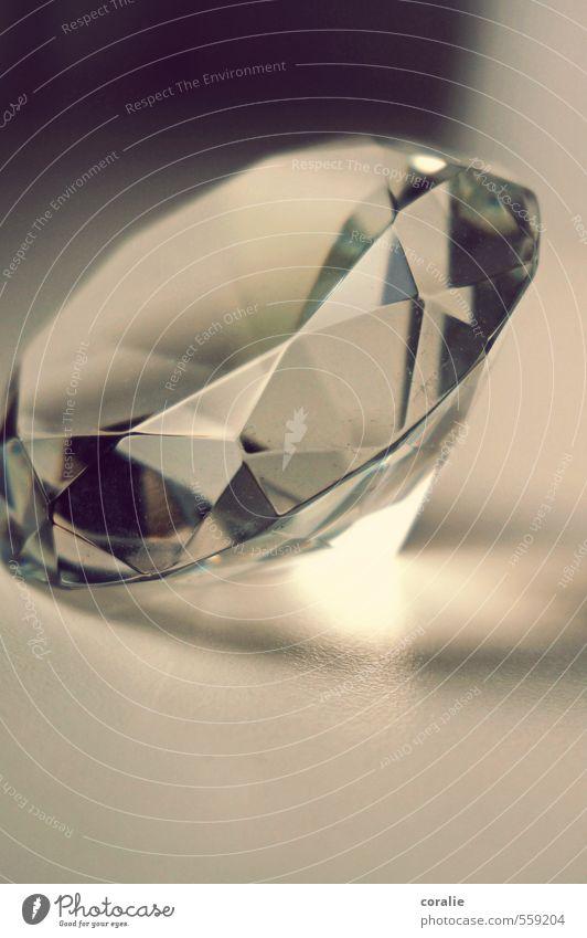 klunker schön hell elegant Glas ästhetisch Kitsch Klarheit Schmuck Reichtum durchsichtig Glätte Zauberei u. Magie edel Kristallstrukturen hart Kristalle