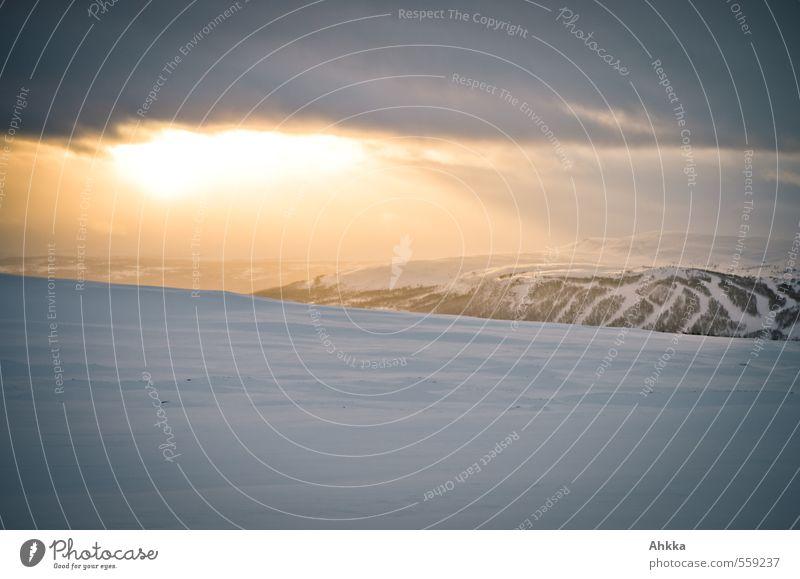 Fjell, Licht, Skipiste Natur Sonne Landschaft ruhig Ferne Winter Berge u. Gebirge Schnee Freiheit Stimmung Eis Kraft ästhetisch Perspektive Klima Lebensfreude