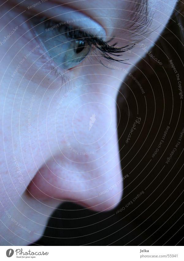 deep down Frau Gesicht Erwachsene Auge Stil Nase Junge Frau Wimpern Wimperntusche Kosmetik Frauenaugen