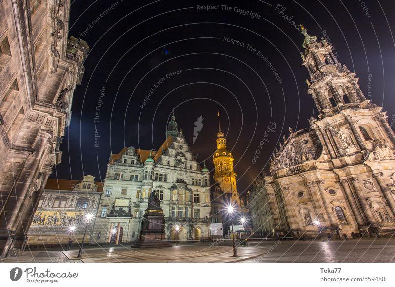 Dresden Nachtaltstadtweitwinkel Stil Sommer Kunst Museum Architektur Stadt Altstadt Menschenleer Platz Marktplatz Rathaus Mauer Wand ästhetisch sportlich