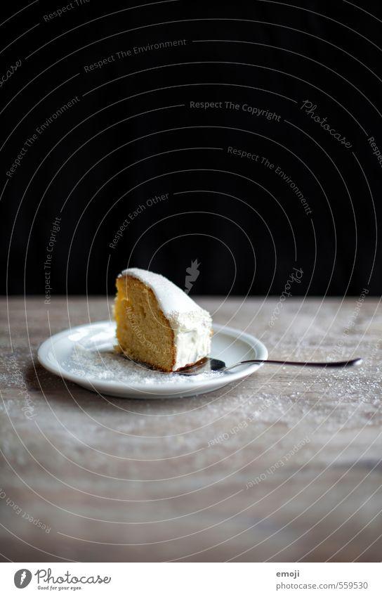 Winterkuchen weiß schwarz Ernährung süß Süßwaren lecker Kuchen Teller Dessert Tortenstück Tortenheber