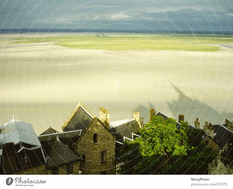 Mont St. Michel Ferne Futurismus Meer Küste beruhigend Schatten Dorf Amerika Mittelalter Erholung yashica Traurigkeit