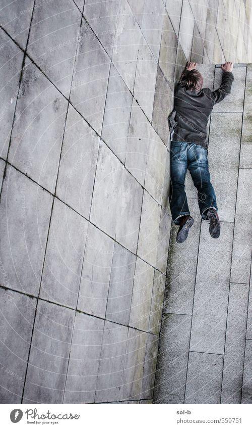 Mensch Jugendliche Mann Stadt Junger Mann Erwachsene Wand Leben Sport Mauer lustig Gesundheit außergewöhnlich springen maskulin Lifestyle