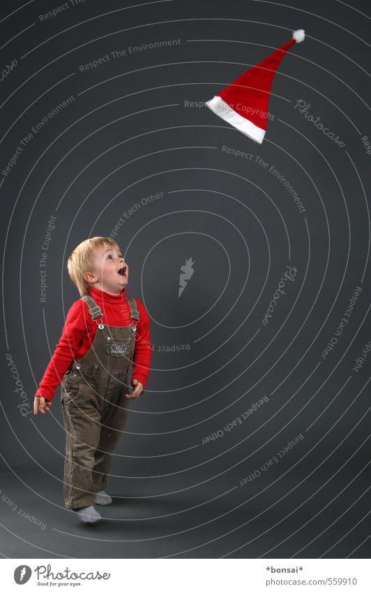 advent, advent Spielen Weihnachten & Advent Kind Kleinkind Junge 1 Mensch 1-3 Jahre Mütze Bewegung fliegen lachen springen werfen frech Glück klein niedlich
