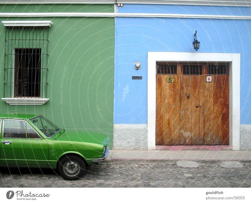 farblich parken alt grün blau Ferien & Urlaub & Reisen Fenster Stein PKW Architektur Tür Hintergrundbild Eingang Siebziger Jahre Willkommen Kleine Antillen