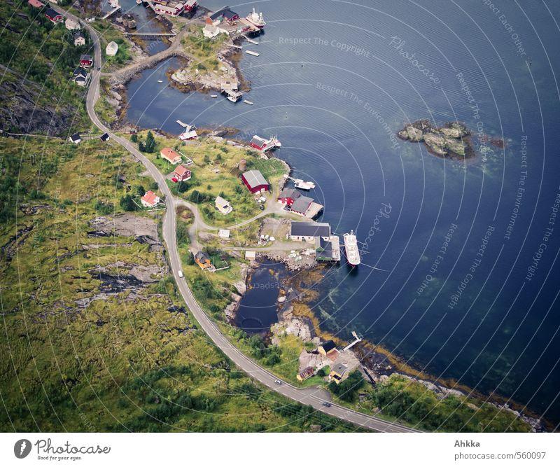 Zusammenhänge Natur Landschaft Küste Fjord Meer See Fischerdorf Menschenleer Haus Verkehr Verkehrswege Autofahren Straße Wege & Pfade Wegkreuzung