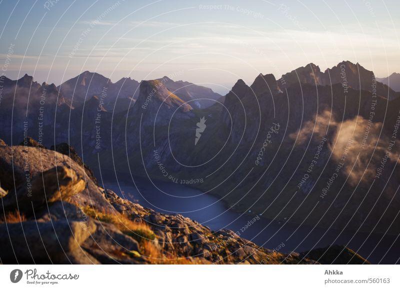 Das erste Licht II Natur Landschaft Berge u. Gebirge See Felsen Stimmung Kraft elegant Schönes Wetter genießen Abenteuer einzigartig Gipfel Kreativität