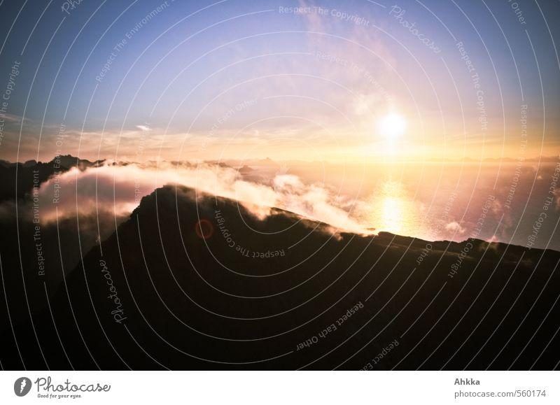 Morgenröte Natur Meer Erholung Landschaft ruhig Wolken Freude Ferne Berge u. Gebirge Leben Freiheit Stimmung Zufriedenheit Erfolg Schönes Wetter Insel