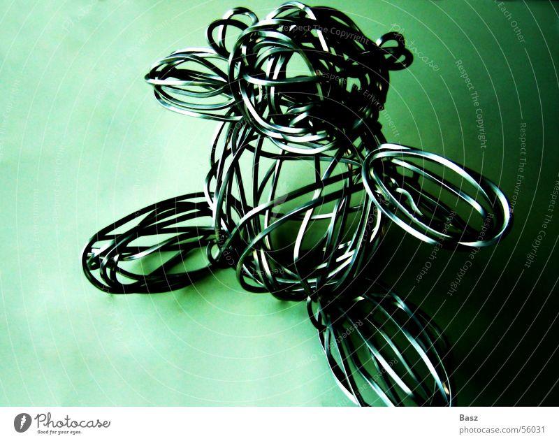 wire bear grün Einsamkeit ruhig Metall weich Trauer Wohlgefühl Spielzeug Erinnerung Geborgenheit Draht Bär Teddybär angenehm steril Stofftiere