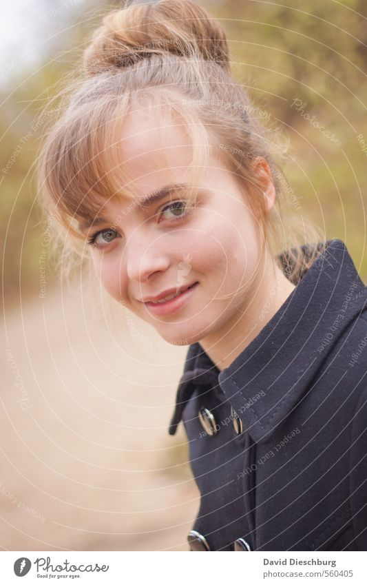 Chalotte Mensch Kind Jugendliche Junge Frau weiß schwarz Gesicht gelb Leben Herbst Frühling feminin Glück Kopf braun Park