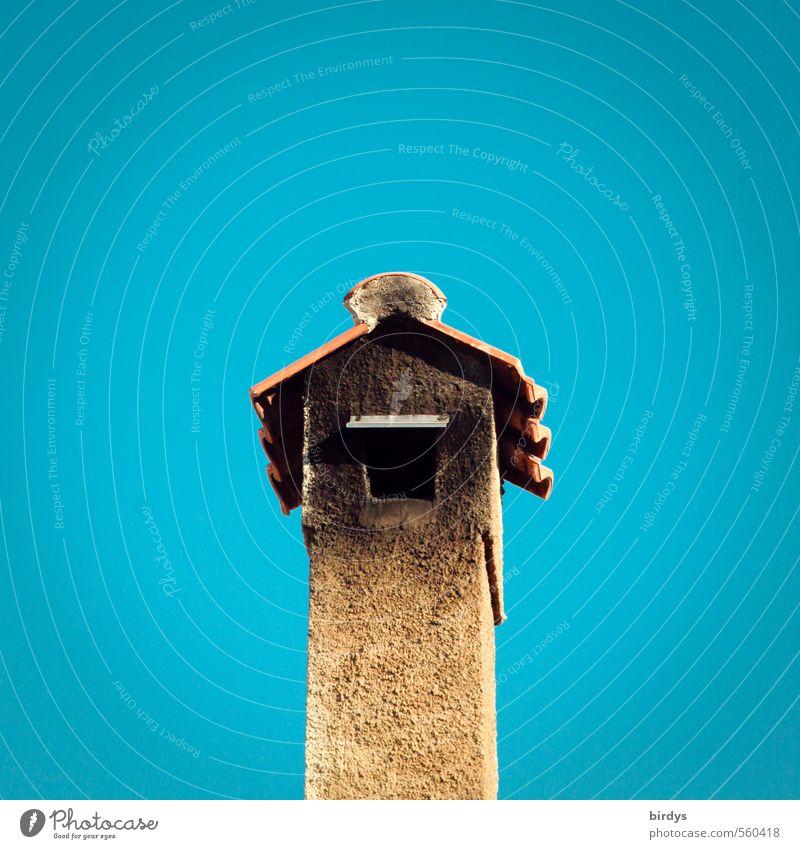 Wohnungsbrand im Vogelhaus blau gelb Wärme lustig Design Schönes Wetter ästhetisch Wolkenloser Himmel exotisch mediterran Schornstein Ruß wettergeschützt