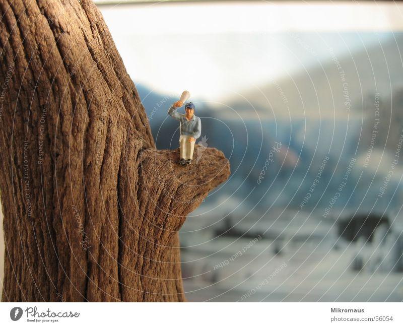 Luftschnapper Modellfigur Eisenbahn Spielzeug Figur Mann Berge u. Gebirge winken Holz Baumstamm Hintergrundbild Gemälde Bild Gruß oben Zeitung sitzen