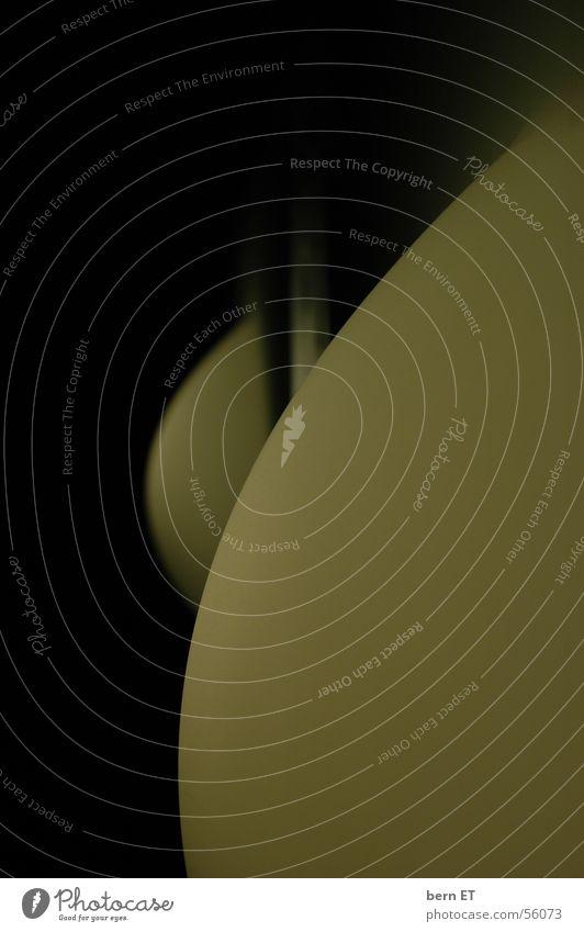 Leucht(Frauen)Körper Sonne Lampe dunkel feminin Frauenbrust rund Hügel Mond Verlauf