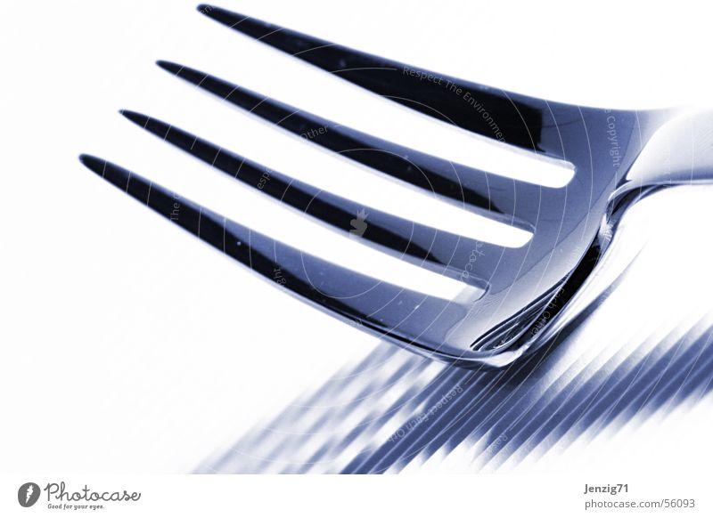 Vierzack. Gabel Stahl Besteck Metall fork steel Ernährung Makroaufnahme Spitze Zacken