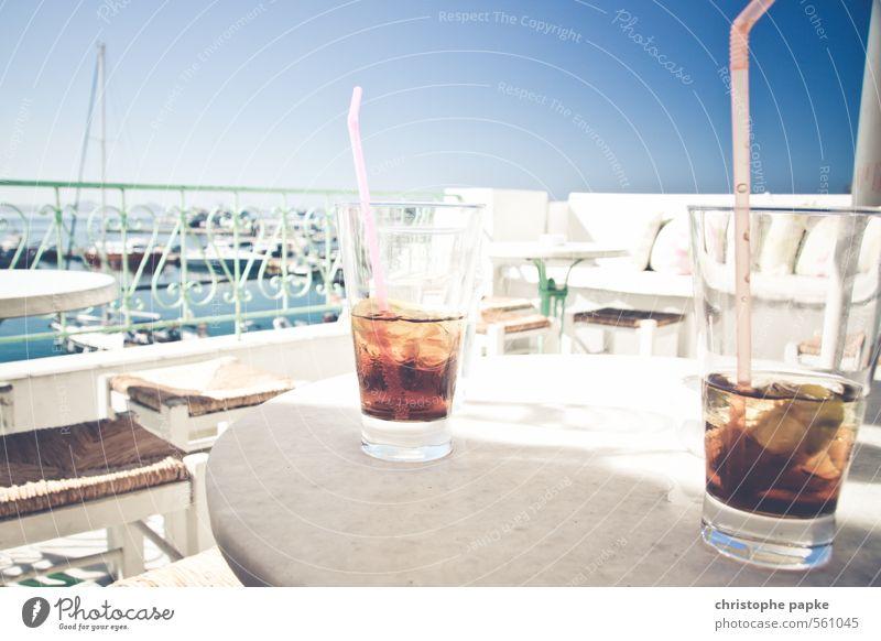 Zwei kalte koffeinhaltige Erfrischungsgetränke, bitte! Getränk Limonade Cola Glas Trinkhalm Zufriedenheit Ferien & Urlaub & Reisen Ausflug Sommer Sommerurlaub