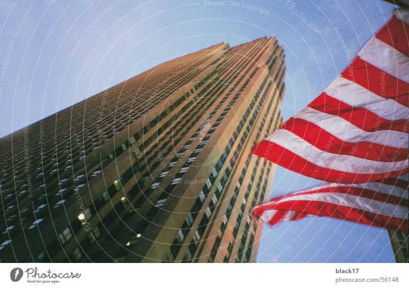 New York Architektur Hochhaus Fahne Amerika Stars and Stripes Rockefeller Center