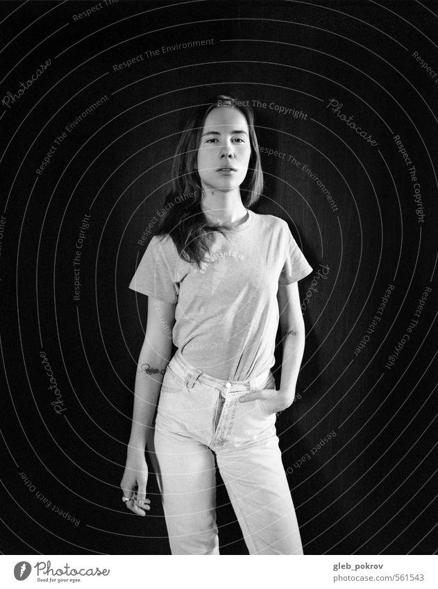 Dokument #portrait2 feminin Junge Frau Jugendliche Erwachsene Haare & Frisuren Gesicht Brust Frauenbrust 1 Mensch 18-30 Jahre Bekleidung T-Shirt Jeanshose