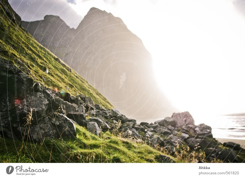 Strandbild Natur Meer Erholung Landschaft ruhig Strand Ferne Berge u. Gebirge Leben Gras Küste Freiheit Gesundheit Felsen Stimmung Zufriedenheit