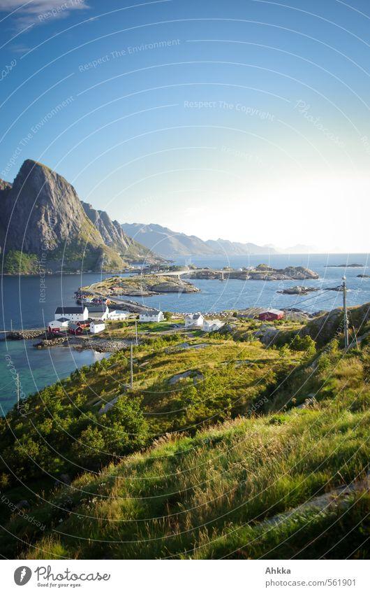 Blick nach Norden Natur Ferien & Urlaub & Reisen blau schön grün Meer Landschaft Berge u. Gebirge Wiese Küste Stimmung Idylle elegant Zufriedenheit Tourismus authentisch