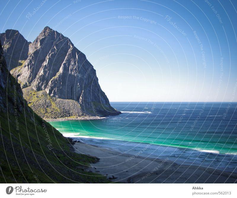 Nordmeer Natur Ferien & Urlaub & Reisen blau Meer Erholung Landschaft ruhig Ferne Berge u. Gebirge Küste Denken Stimmung glänzend Wellen Zufriedenheit leuchten